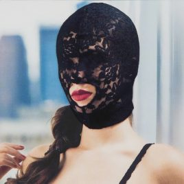 Scandal Open Mouth Lace Hood